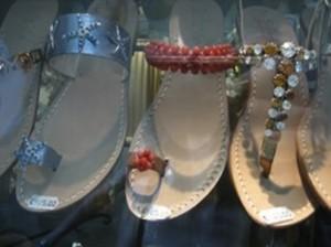 SHOP – From Capri, custom-made sandals
